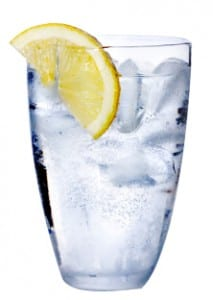 photogallery-dove-daily-renewal-glass-of-water-with-lemon copy2